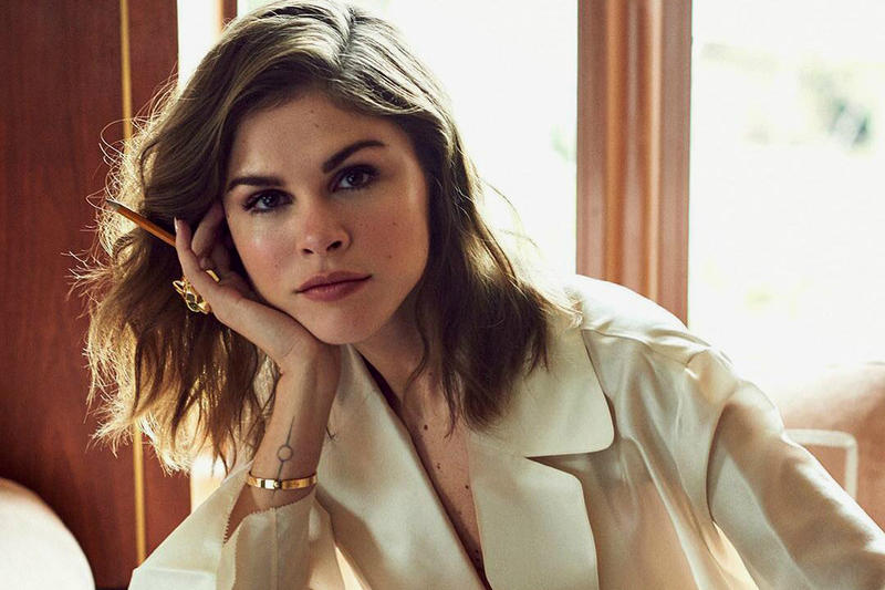 Glossier Founder Emily Weiss Violet Grey Interview