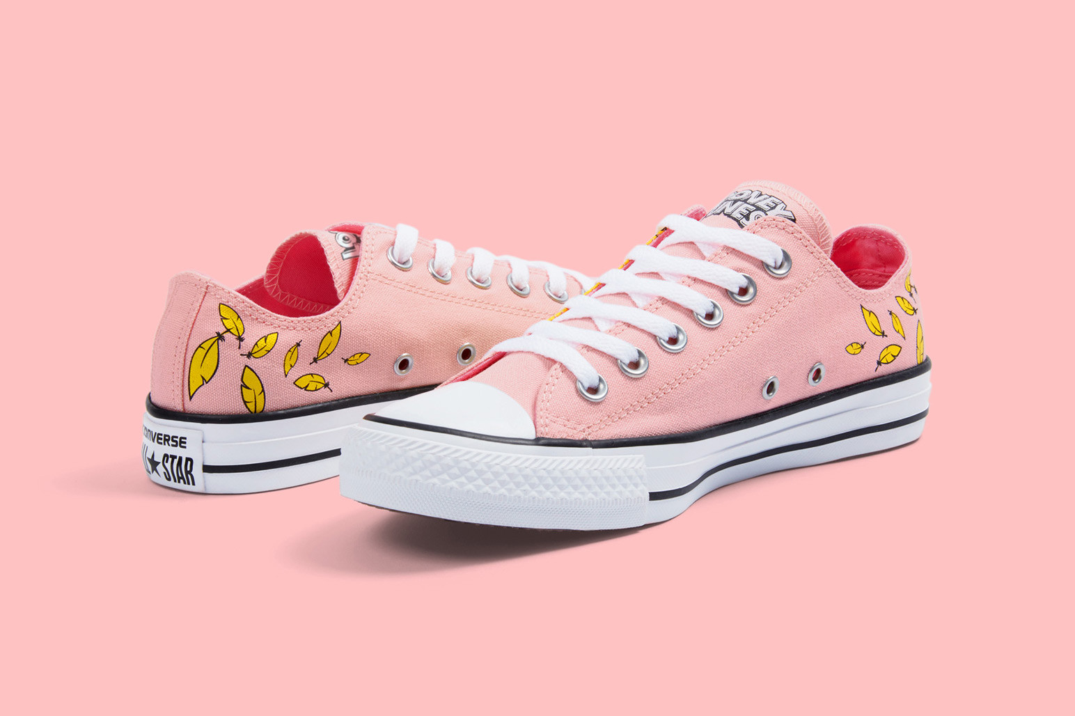 Tweety Gets a Converse Chuck Taylor All