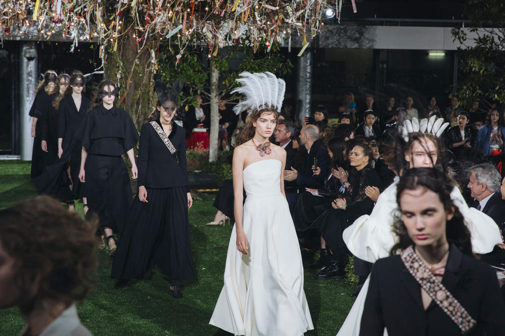 Dior 2017 Spring Summer Couture Tokyo Ginza Backstage Show