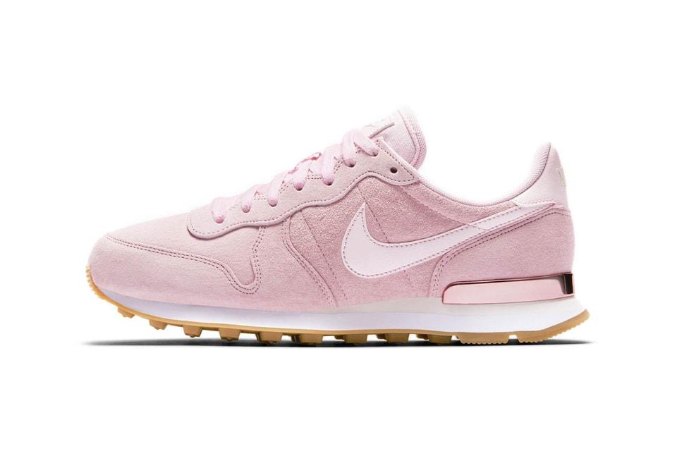 factory price 046b4 21e31 Nike Internationalist SD Prism Pink Heel Detail   HYPEBAE