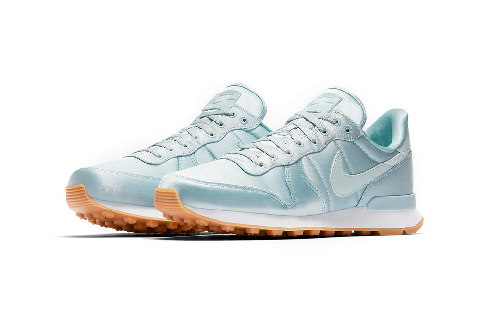 Nike Air Max 95 Internationalist Satin Pack