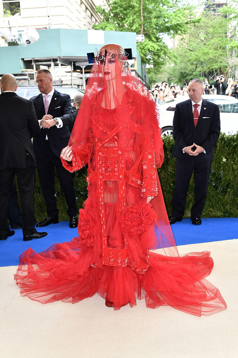 2017 Met Gala Red Carpet Rihanna Comme Des Garcons Rei Kawakubo Best Looks