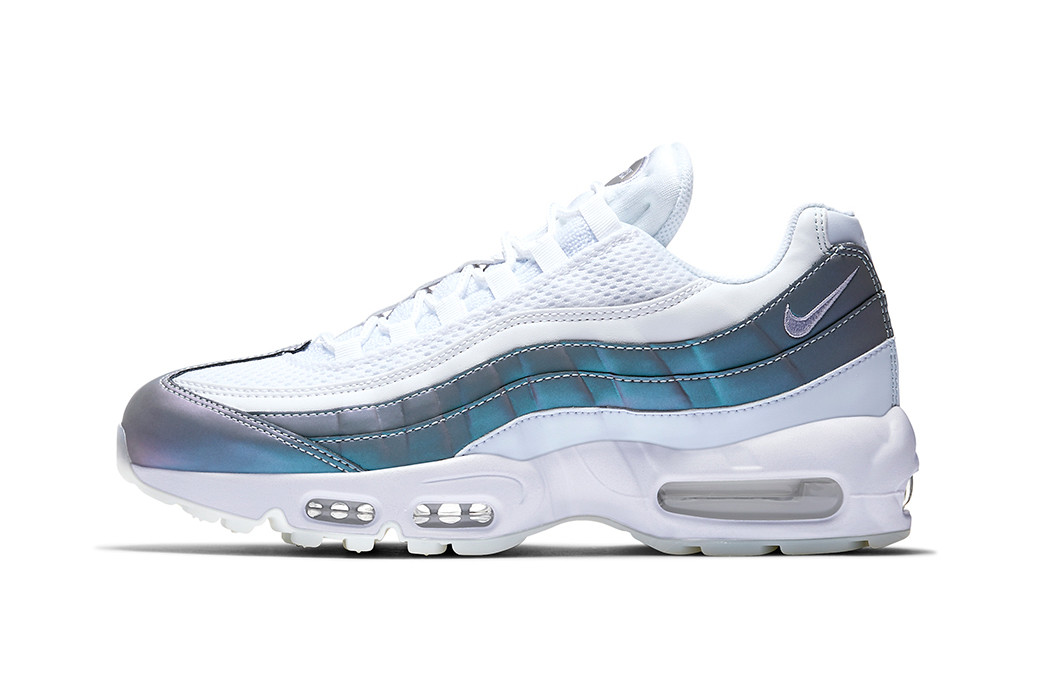 This Nike Air Max 95 Changes Colors