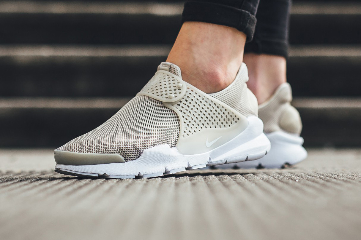 Nike Drops New Sock Dart Breeze in Pale