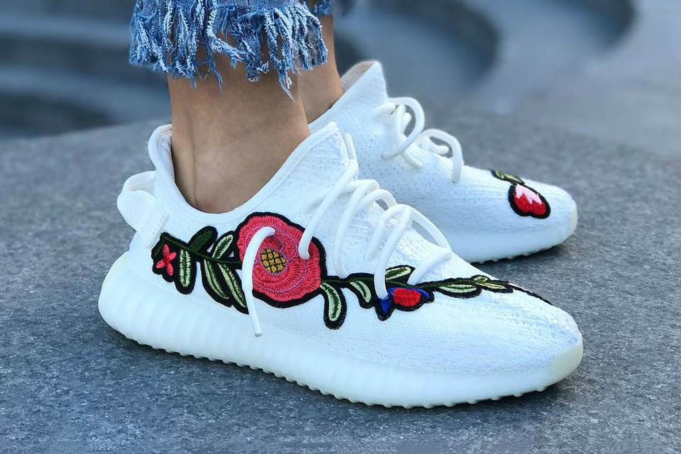 28c0d4600e7ee Floral YEEZY BOOST 350 V2 Cream White Custom