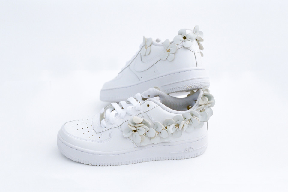 0bc09a4aafe6 Custom White Flowers Cover Nike s Air Force 1