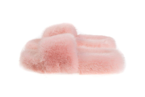 e85e71ee4665 Zizi Donohoe s Furry Slides Are the Adult Bunny Slippers You Wish You Had