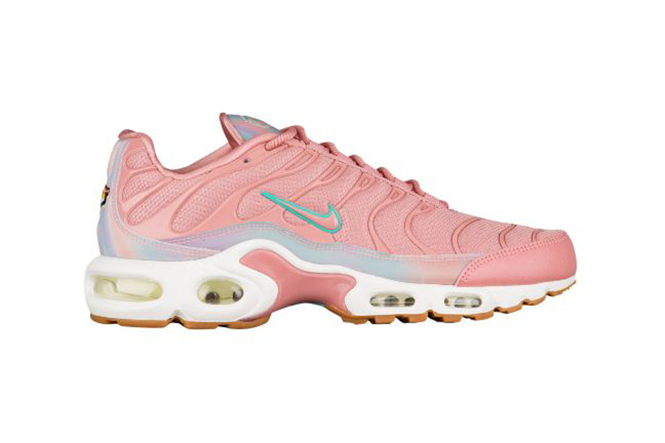 Air Max Plus in Red Stardust