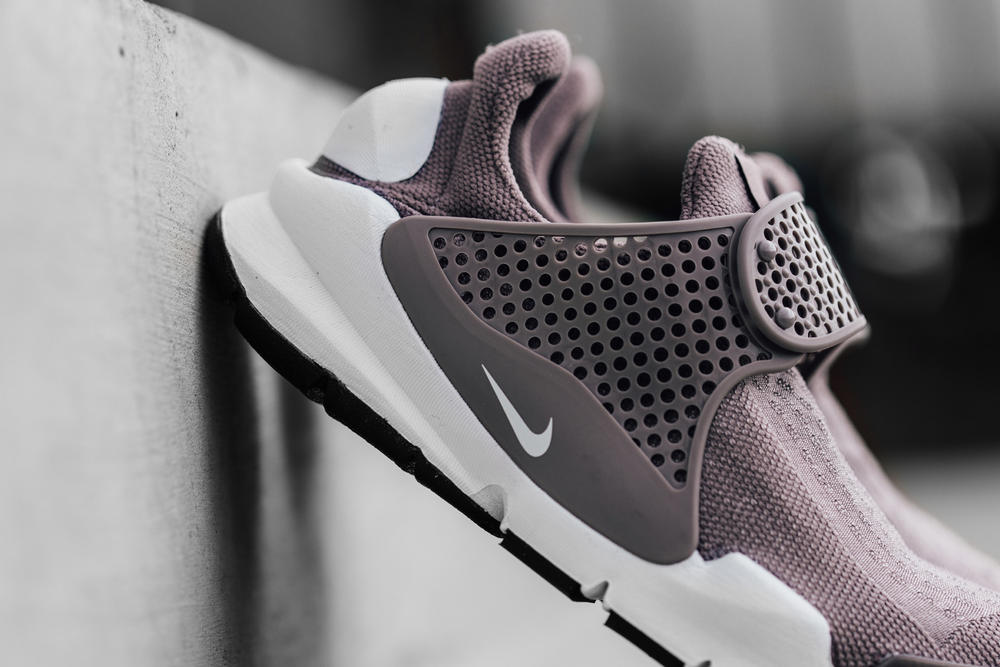Nike Sock Dart Taupe Grey