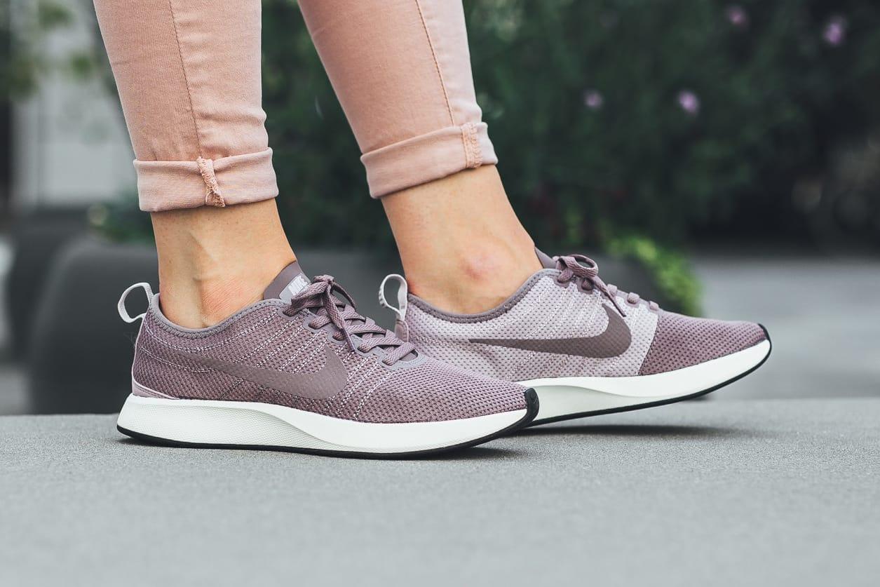 nike women's dualtone racer running shoe