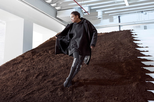 fd3040f6a Y-3 s 2017 Fall Winter Campaign Is from the Future