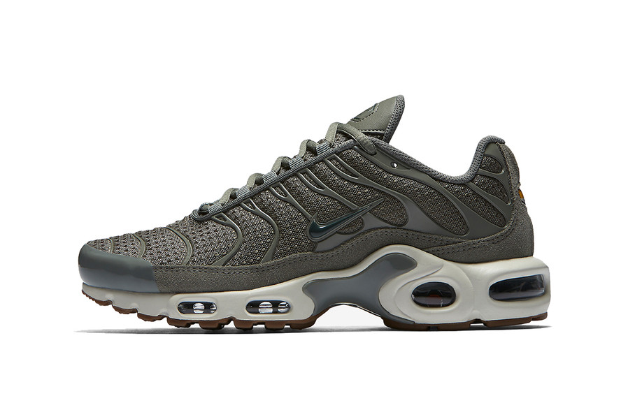 224a92024d ... Nike Air Max Plus Tonal Olive Green HYPEBAE ...
