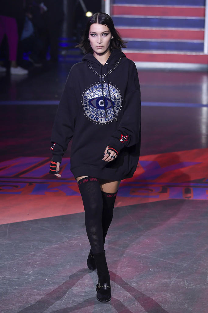 22df53c81d667e Gigi Hadid Tommy Hilfiger Fall Winter 2017 Runway Show Third Collaboration  Jourdan Dunn Rock Circus Red