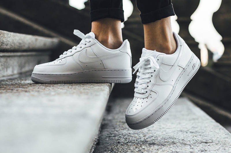 online store 0e8a5 f7a7b Nike Air Force 1 07 Patent Black White