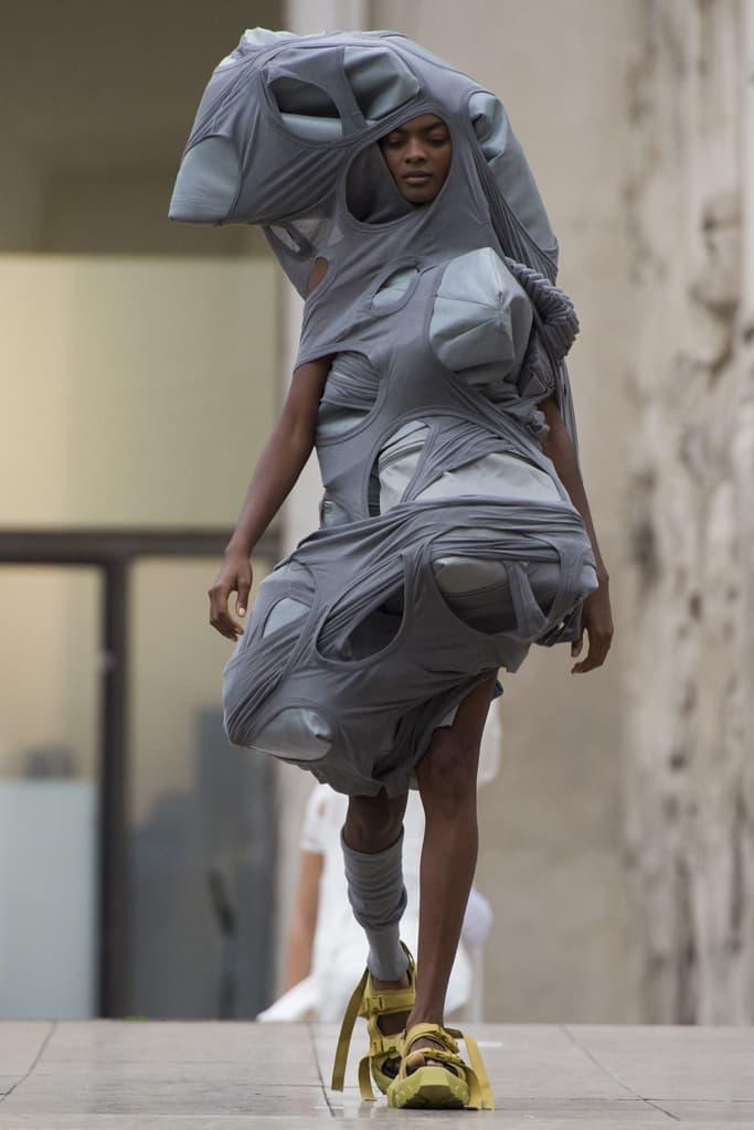 Rick Owens Spring Summer 2018 Show Paris Fashion Week Palais De Tokyo Runway Show Social Commentary Environmental Social Color Palette