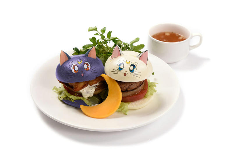 Sailor Moon Cafe Luna and Artemis Burger