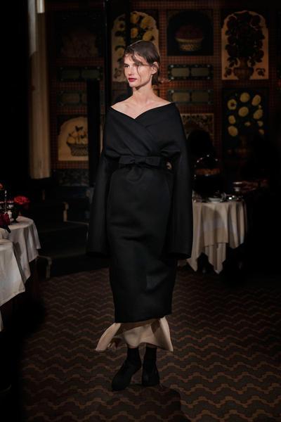 The Row Mary-Kate Ashley Olsen 2018 Spring Summer Collection NYFW New York Fashion Week Show Carlyle Hotel