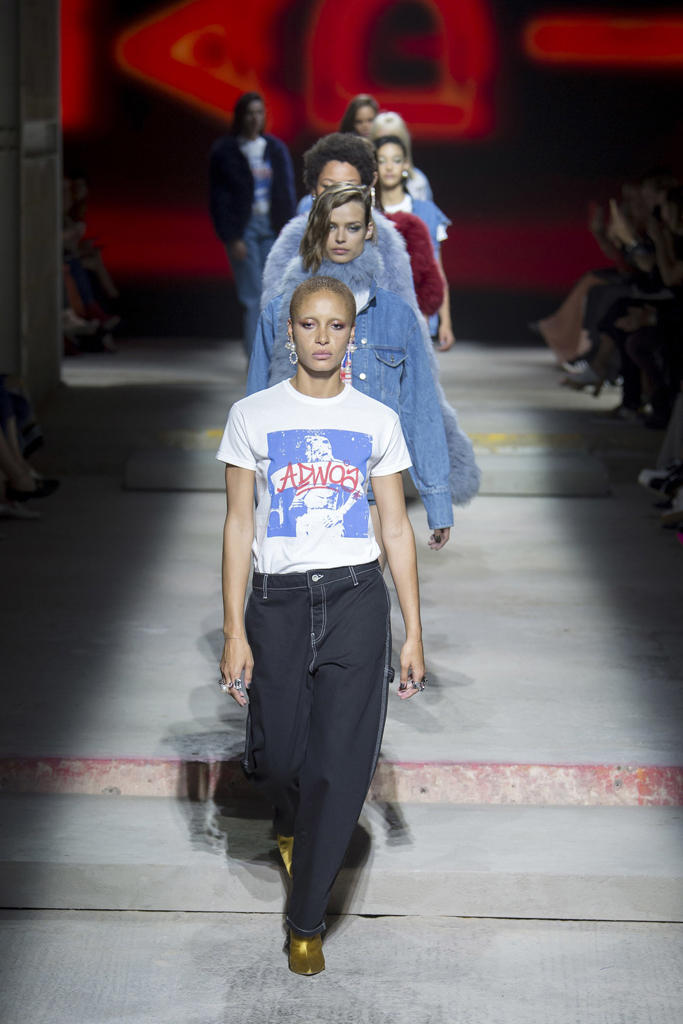 Topshop Unique Spring 2018 Collection London Fashion Week LFW Show Adwoa Aboah Hailey Baldwin Jourdan Dunn Joan Smalls Fashion