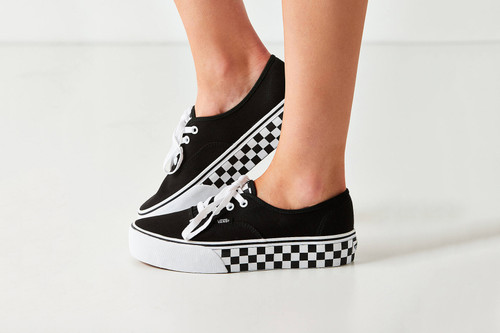 52d0d2182f2 Vans x Urban Outfitters Release an Exclusive Authentic Platform