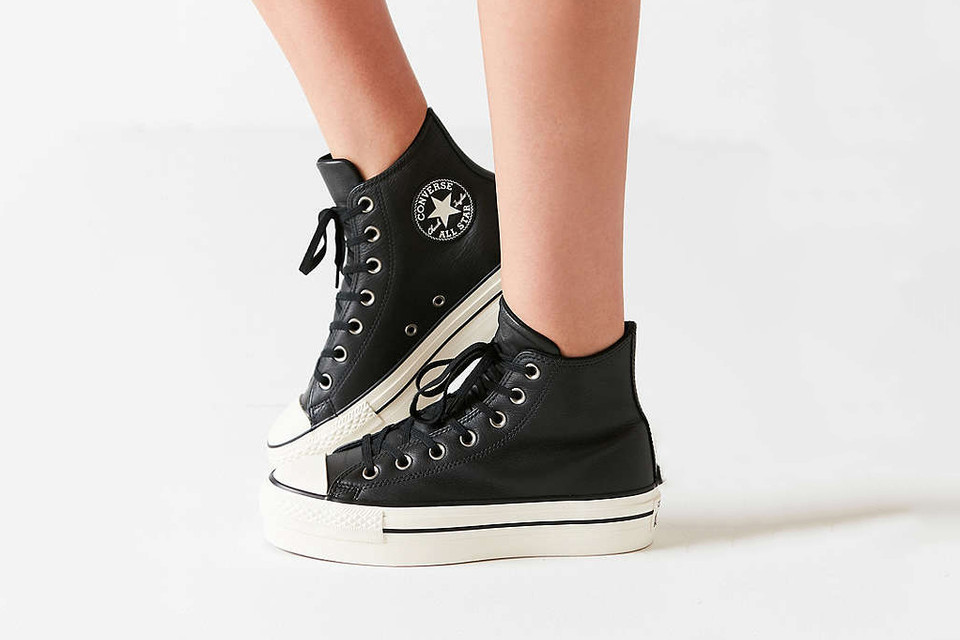 Converse Chuck Taylor All Star Platform Sneakers  e8c763532