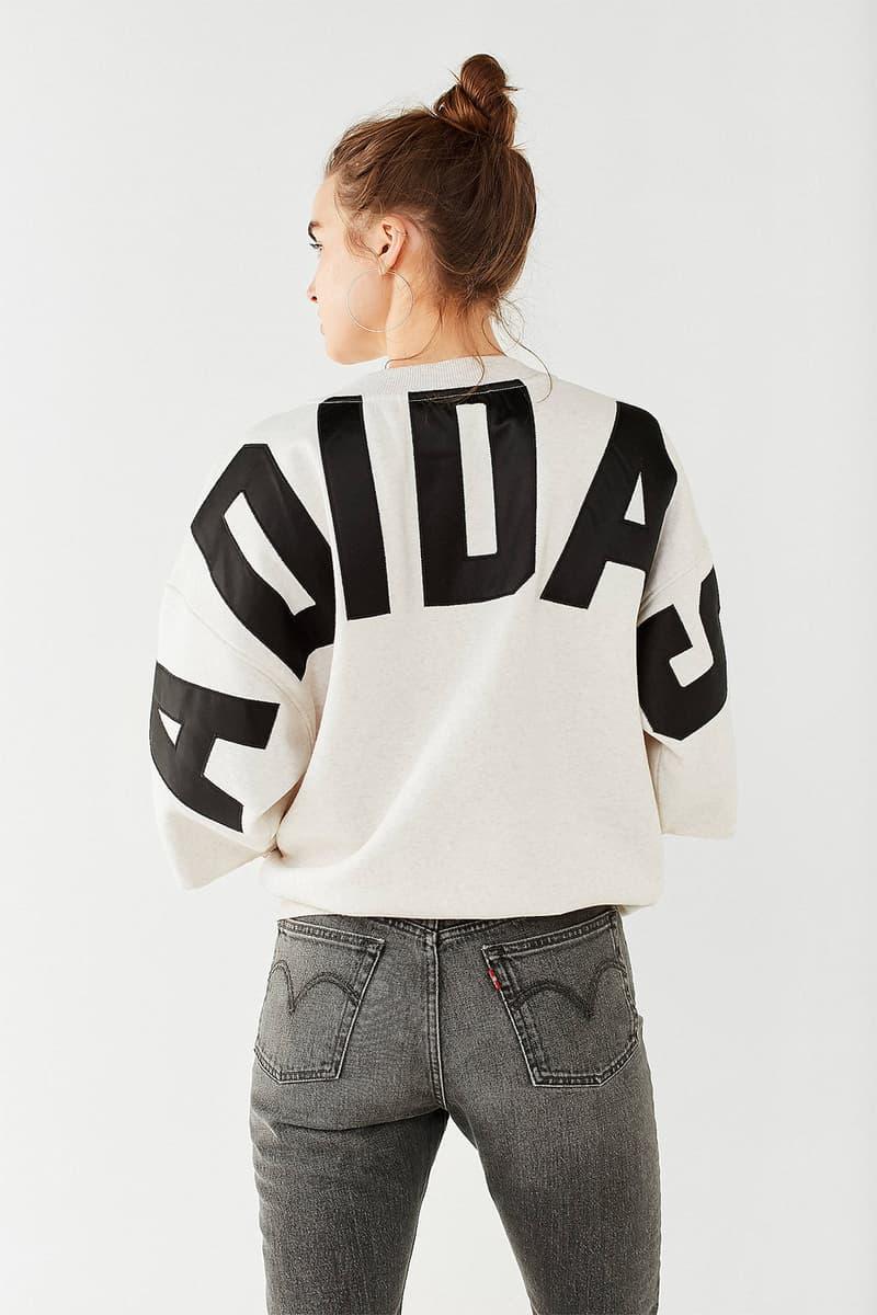 adidas Originals 3/4 Sleeve Graphic Sweatshirt