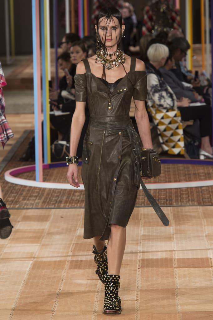 Alexander McQueen Spring Summer 2018 Show Ready To Wear Paris Fashion Week Sarah Burton Floral Garden Textile Technique Flowers Embroidery