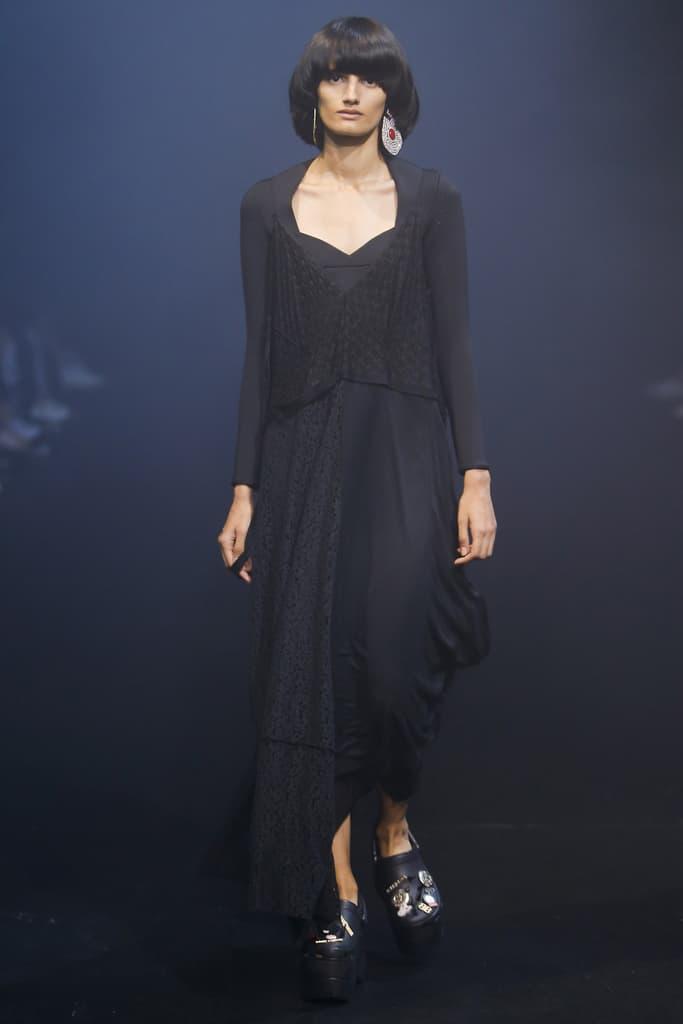 Balenciaga Spring Summer 2018 Runway Show Recap Platform Crocs Foam Demna Gvasalia PFW Paris Fashion Week Fanny Pack Vetements