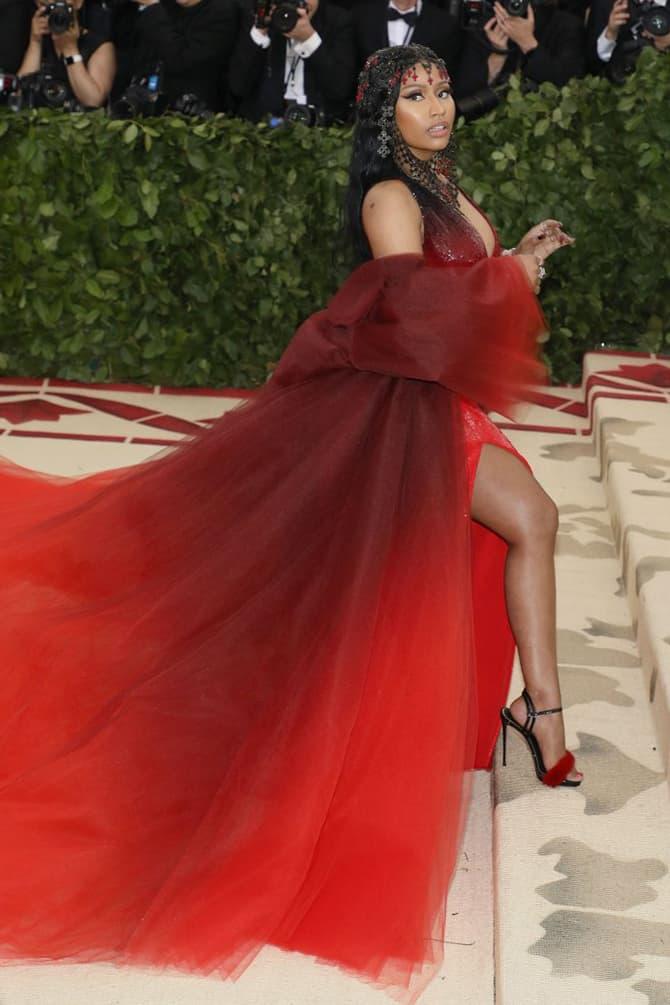 Nicki Minaj Met Gala 2018 Gown Red Headpiece Black