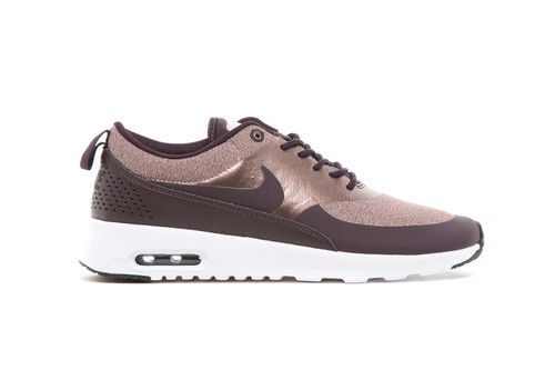 4de58080188a2f This Maroon Nike Air Max Thea Is the Definition of Chic