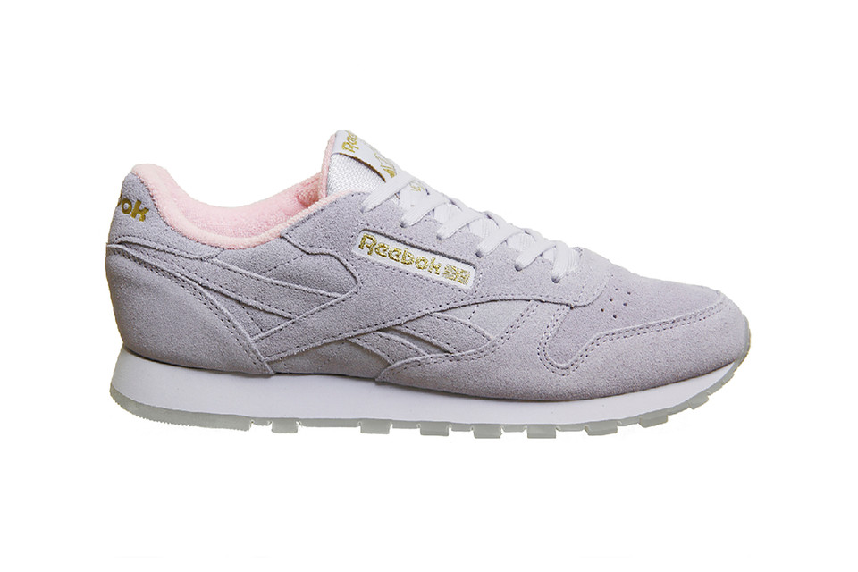 14b99f4cbf8 This Reebok Classic Leather Is Lined With Fuzzy Pastel Pink