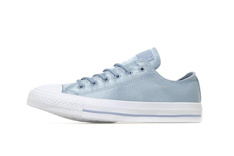 4947dc523726 Available in blue and pink. Converse Chuck Taylor All Star Low ...