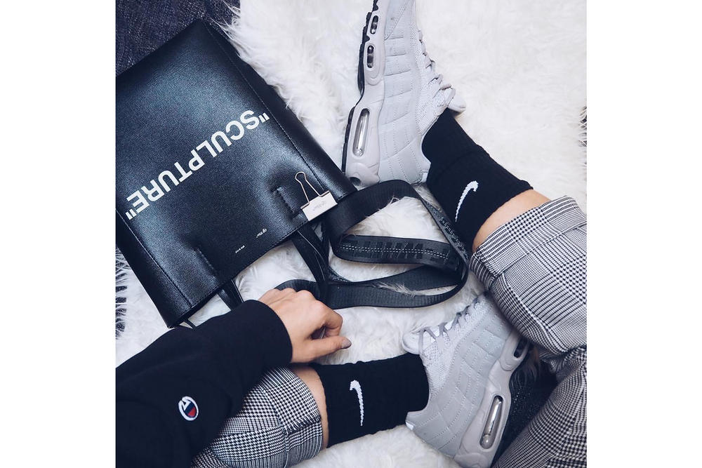 Monochrome Look Outfit HYPEBAE Look Champion Off-White Trousers Alexander Wang  Sporty Nike Air Max 95 White Grey Black