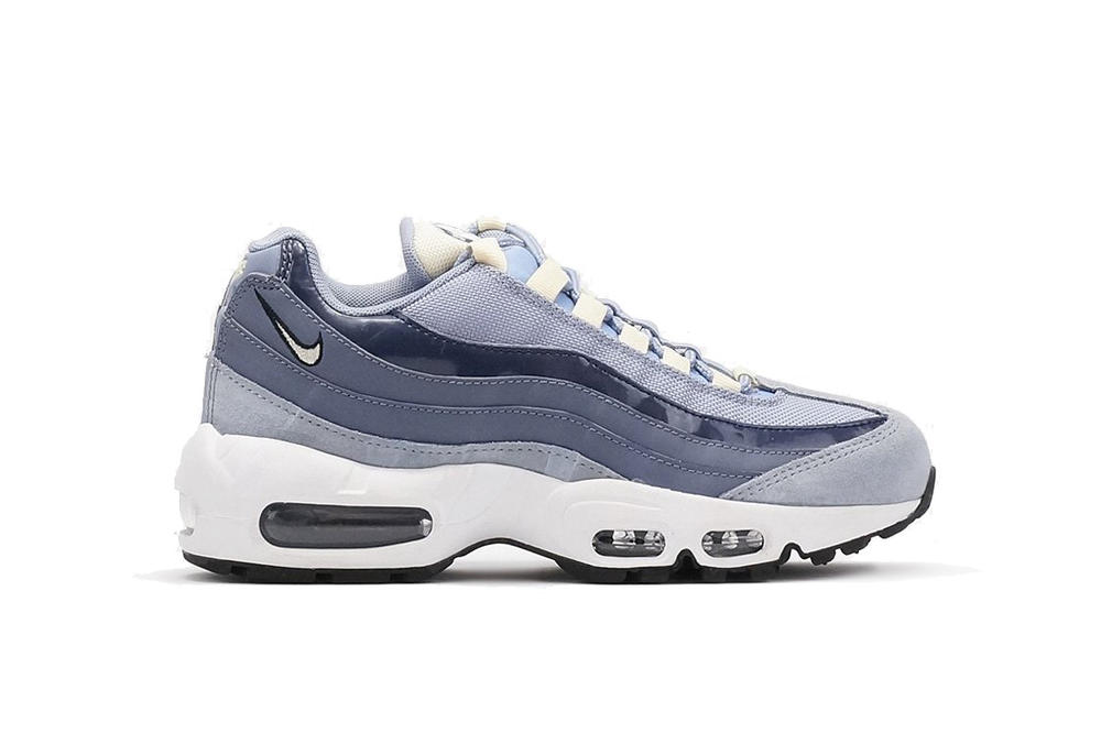 Nike Air Max 95 Sneaker Glacier Grey Muslin Light Carbon Blue Grey Ice Winter Shoe Sporty Classic Silhouette