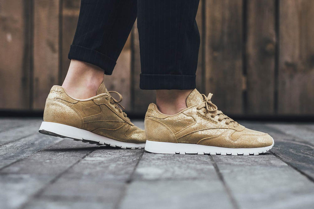 0c450b83b91c6 Reebok Classic Leather Shimmer in Gold