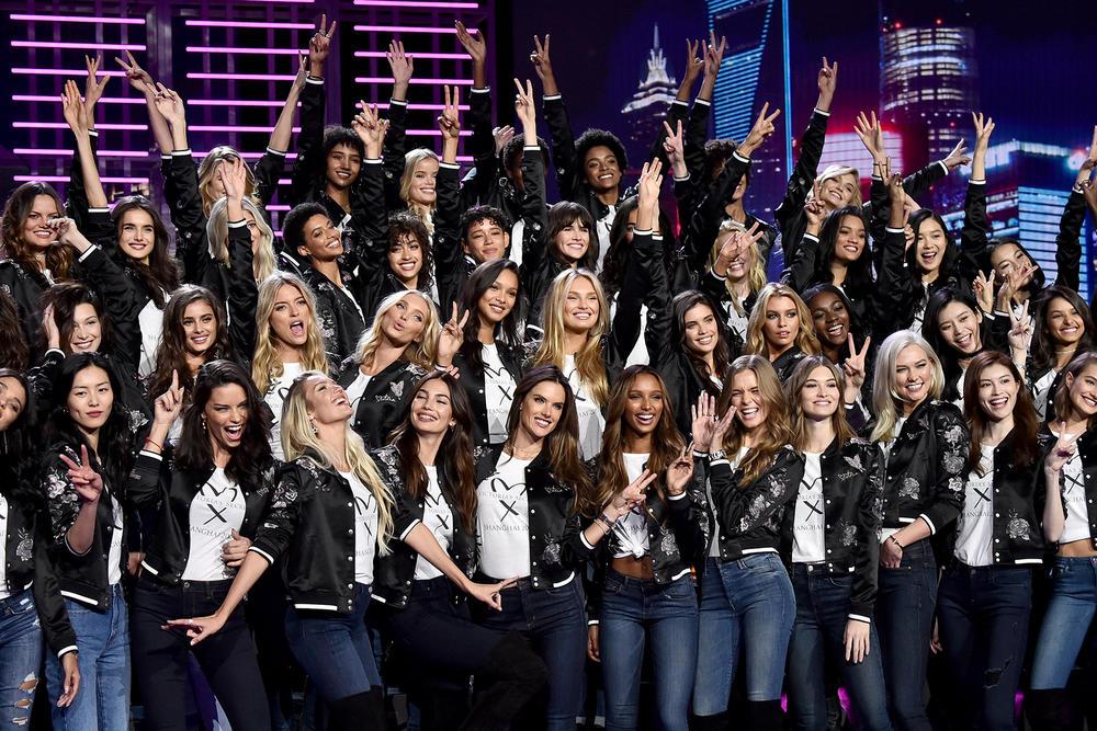Victorias Secret Fashion Show Class of 2017 Shanghai Model Bella Hadid Jasmine Tookes Adriana Lima Elsa Hosk Karlie Kloss Alessandra Ambrosio