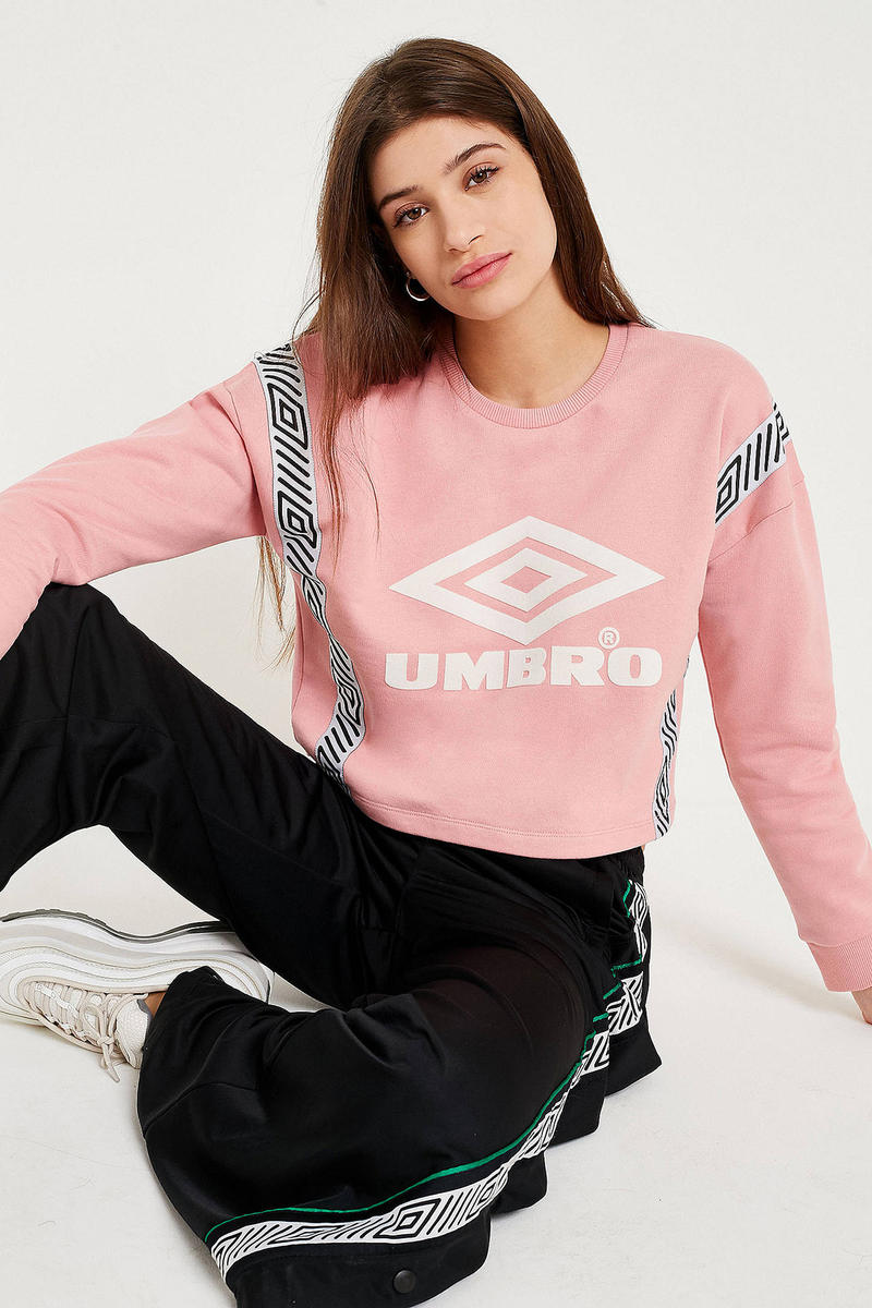 Umbro urban outfitters cropped sweatshirt sweater logo millennial pastel pink