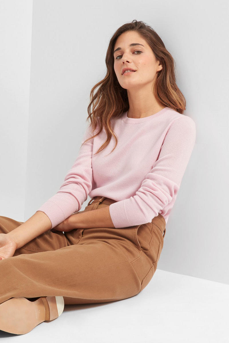 Everlane Cozy Cashmere Sweaters Sweatshirt Jacket Blouse Knit Pink Red Blue Black Beige Tan Red Ethical Affordable Winter Wear