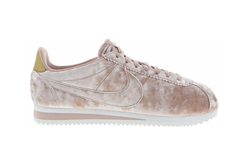 finest selection 82eb6 003a8 Nike Classic Cortez in Particle Pink/Summit White | HYPEBAE