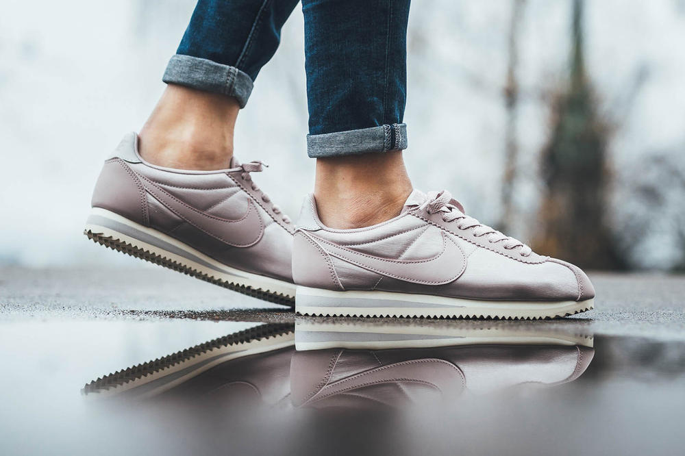 nike womens classic cortez pastel millennial pink shiny particle rose vast grey
