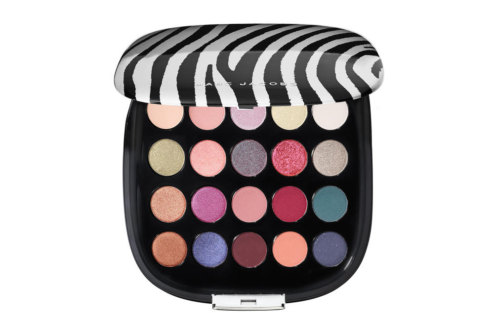 Fenty Beauty Rihanna Eyeshadow Galaxy Palette Sephora Sale Weekly Wow 50 Percent Off Discount Becca Kat Von D Urban Decay Marc Jacobs