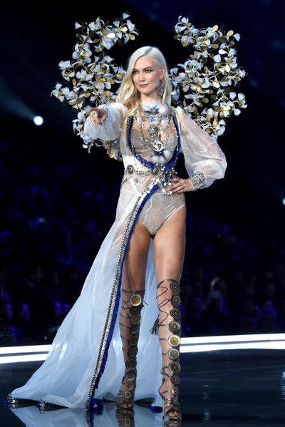 Victoria's Secret Angels Cause More Controversy Bodak Yellow N-Word Video Singing VS Fashion Show