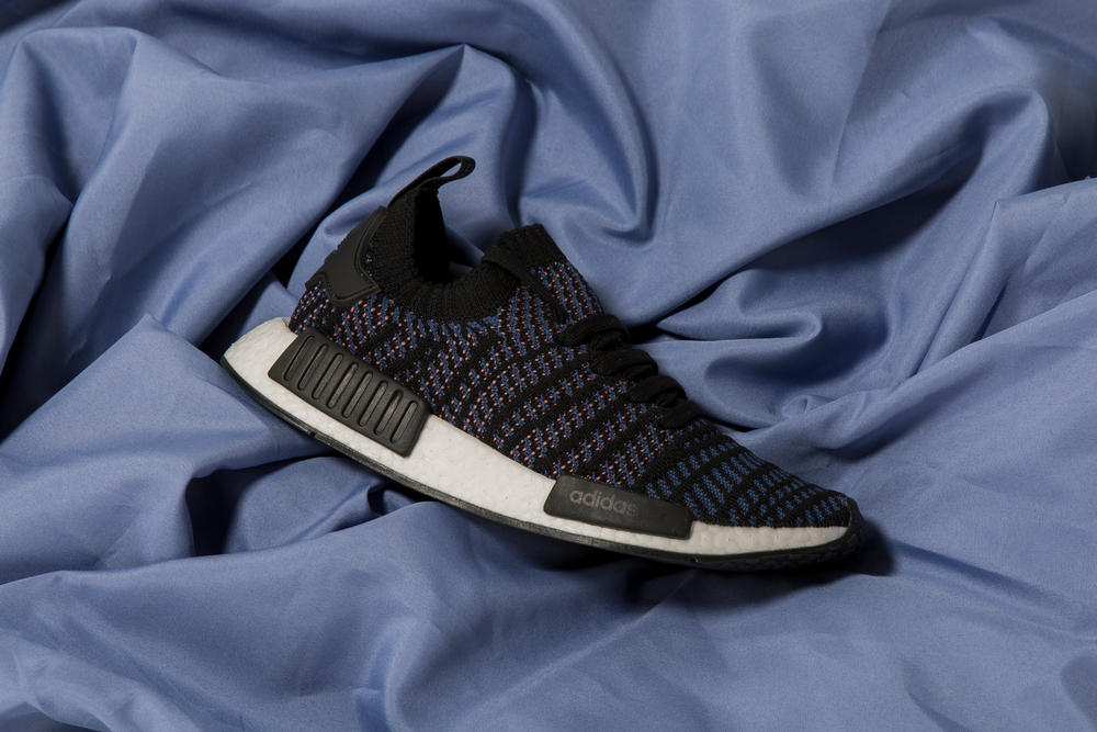adidas originals nmd r1 stlt primeknit womens core black pink blue 512b51139