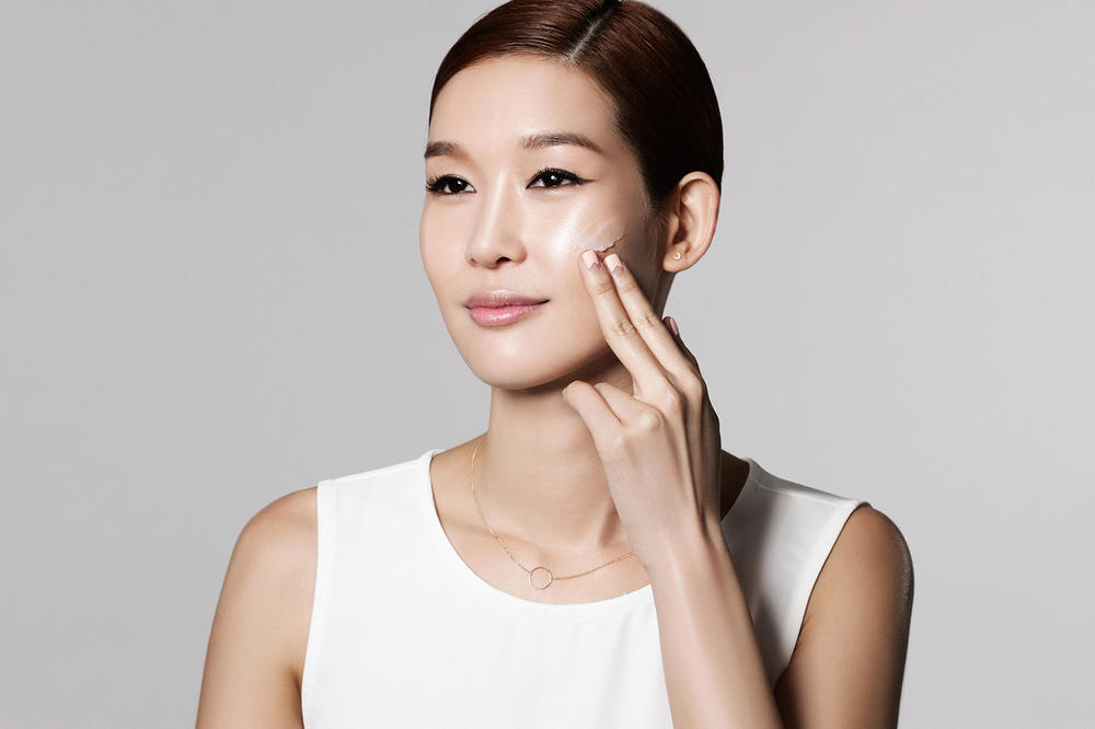 Korean K Beauty skincare Coveteur experts advice tips charlotte cho alicia yoon soko glam peach and lily