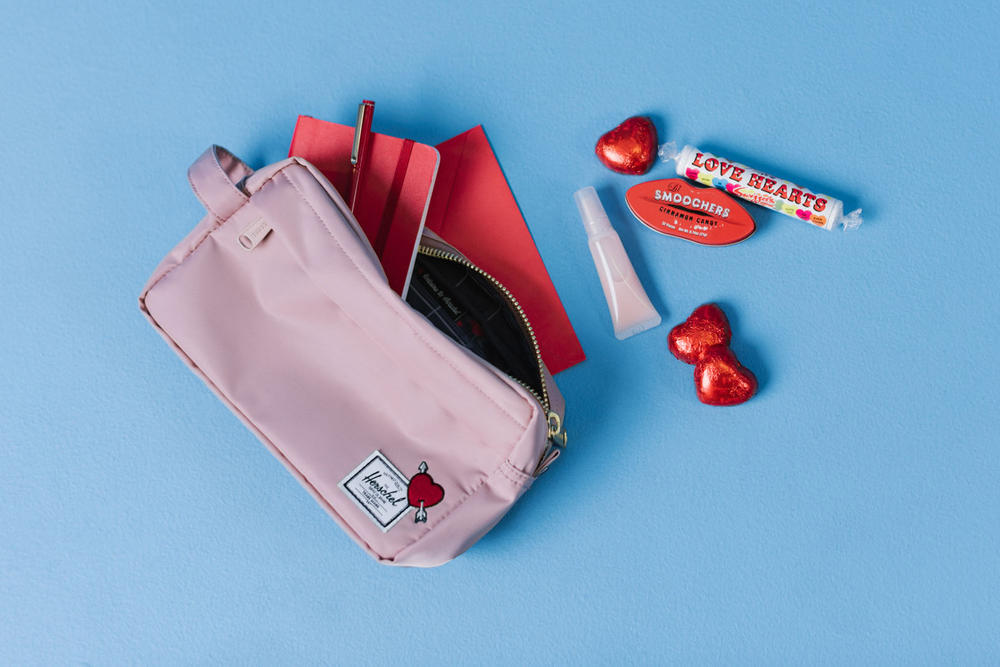 Herschel Supply Heartfelt Collection Travel Kit