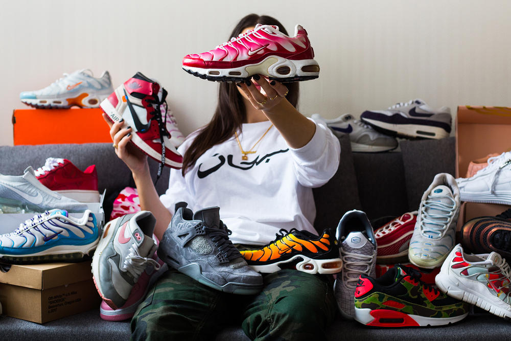 Sneakerhead Jeanne Santoli Instagram Viewmore Nike Sneaker Air Max Jordan 1 Red White Black Collector Baes with Kicks Off White Virgil Abloh Air Max 1 Patta Paris Titolo Switzerland