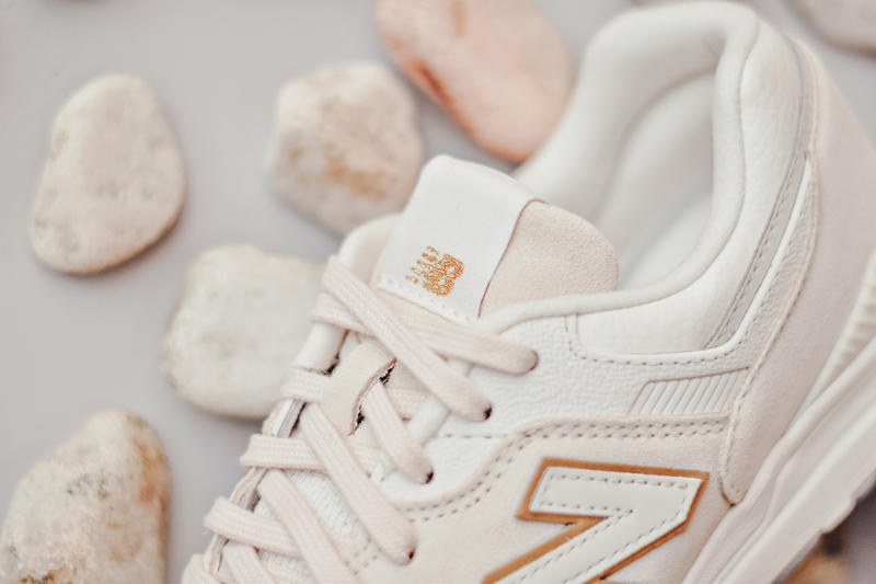 New Balance 697 Pastel Pack Sneakers Pink Green Mint Creme Cream Color Moonbeam Silver Mint