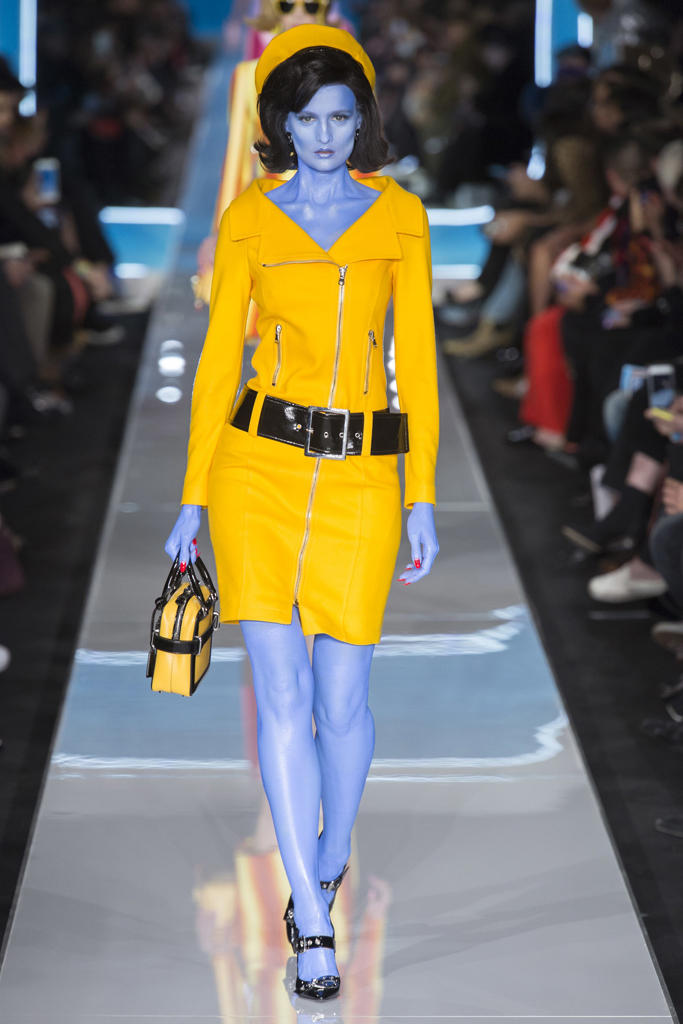 Jeremy Scott Moschino Fall/Winter 2018 MFW Show Gigi Hadid Bella Hadid Kaia Gerber Milan Fashion Week Collection Runway