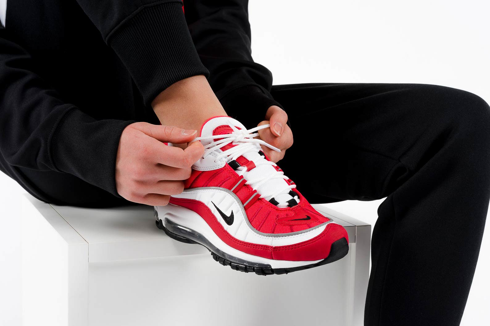 Nike Air Max 98 in Gym Red and White