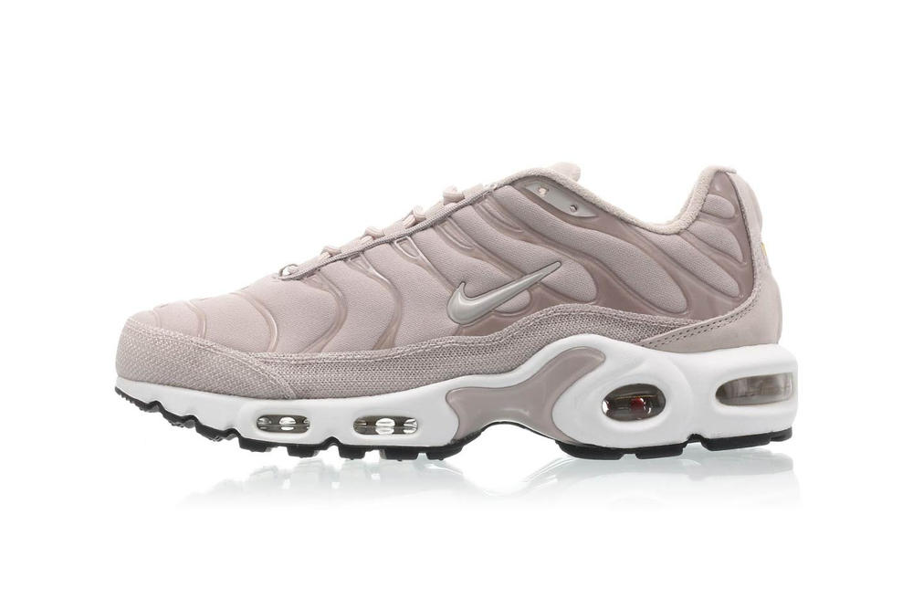 Nike Air Max Plus Premium Moon Particle