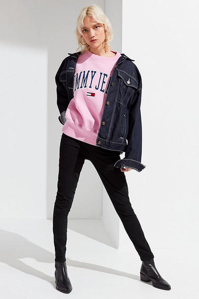 Tommy jeans hilfiger 90s millennial pastel pink logo sweatshirt womens urban outfitters
